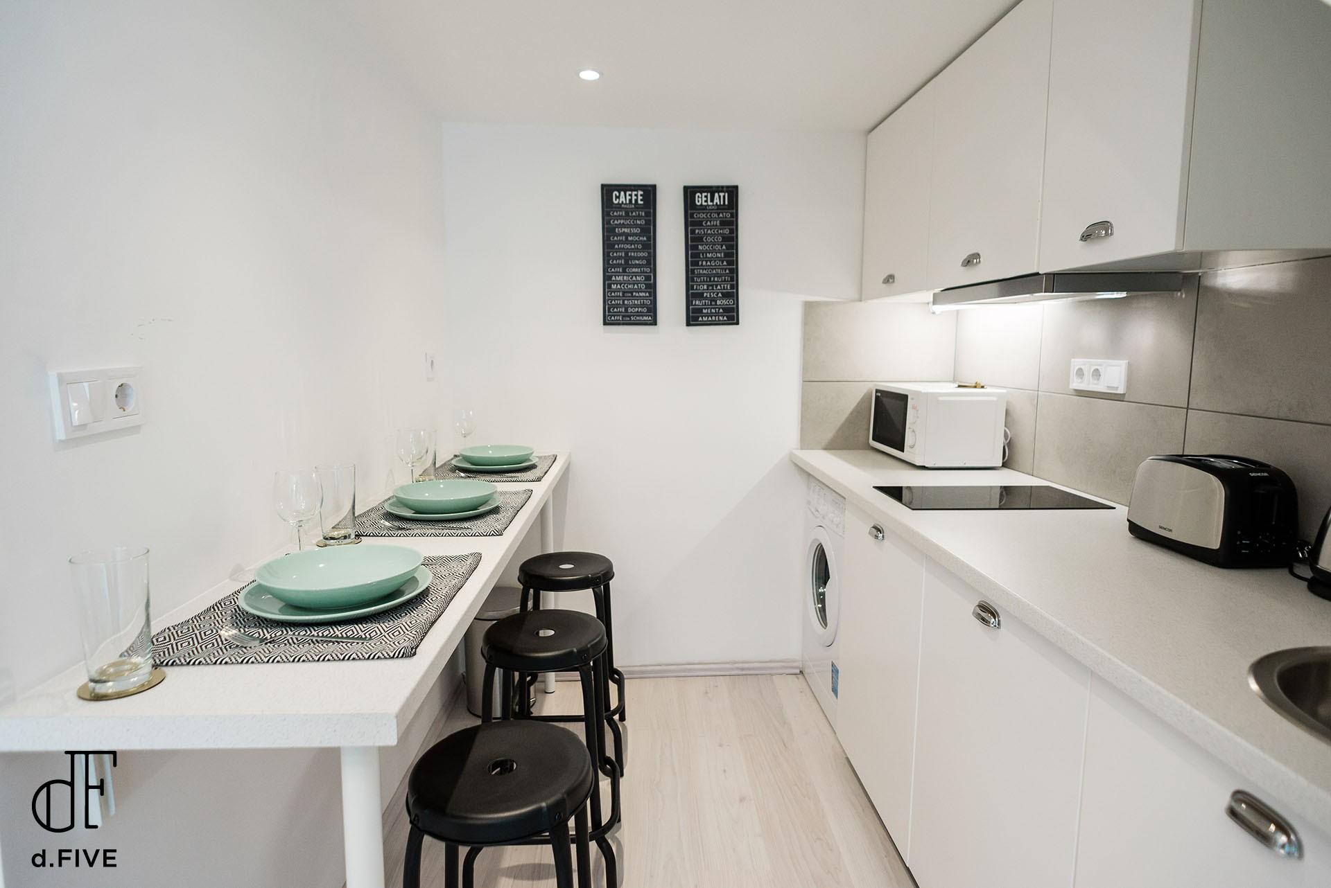 d.Five Bartók Apartment