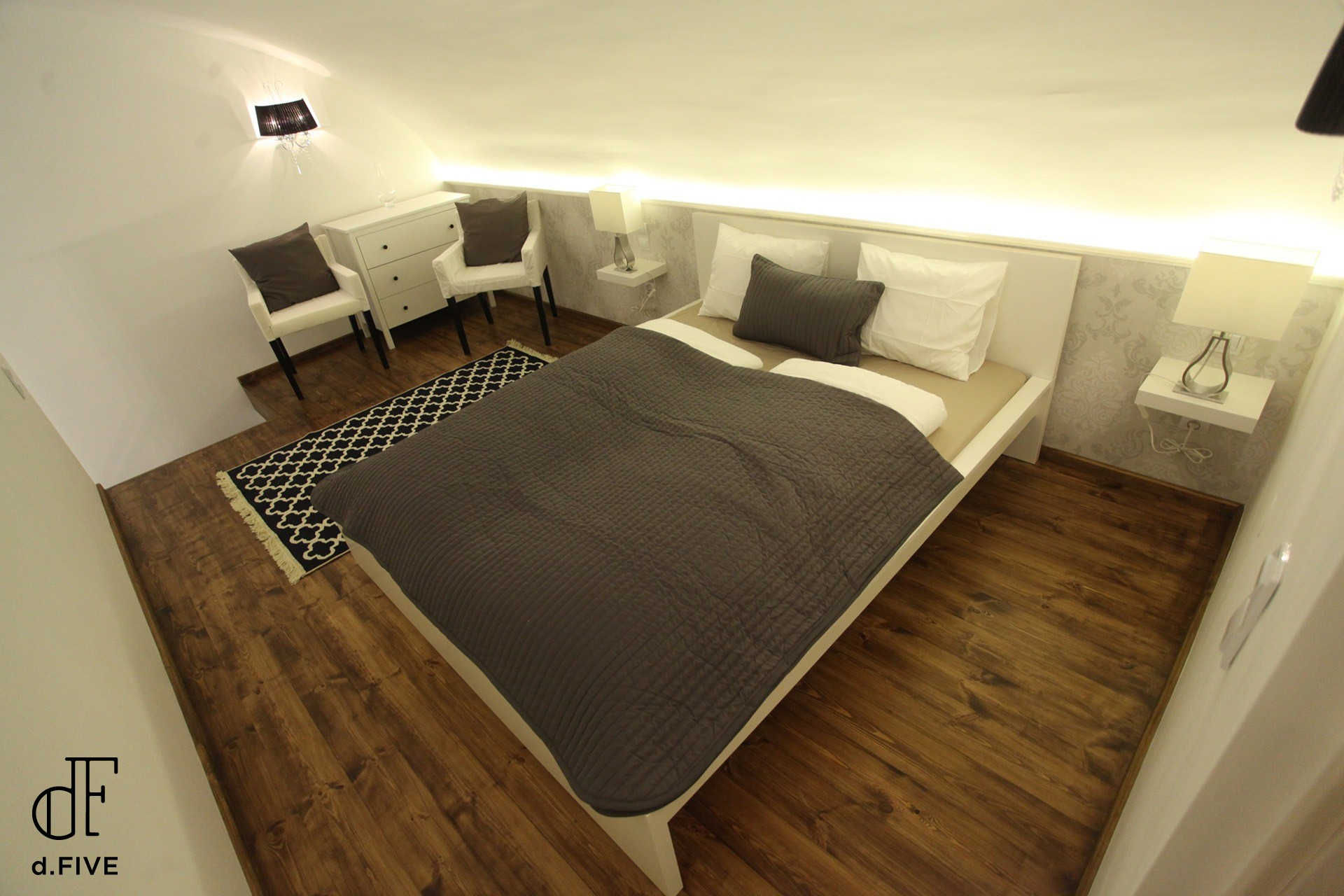 d.FIVE Beautiful Apartment at Basilica 1.
