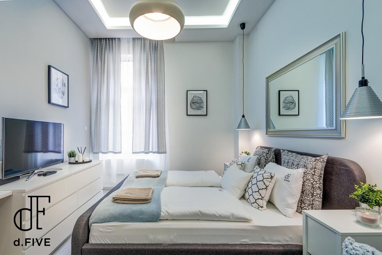 d.Five Csengery Apartment