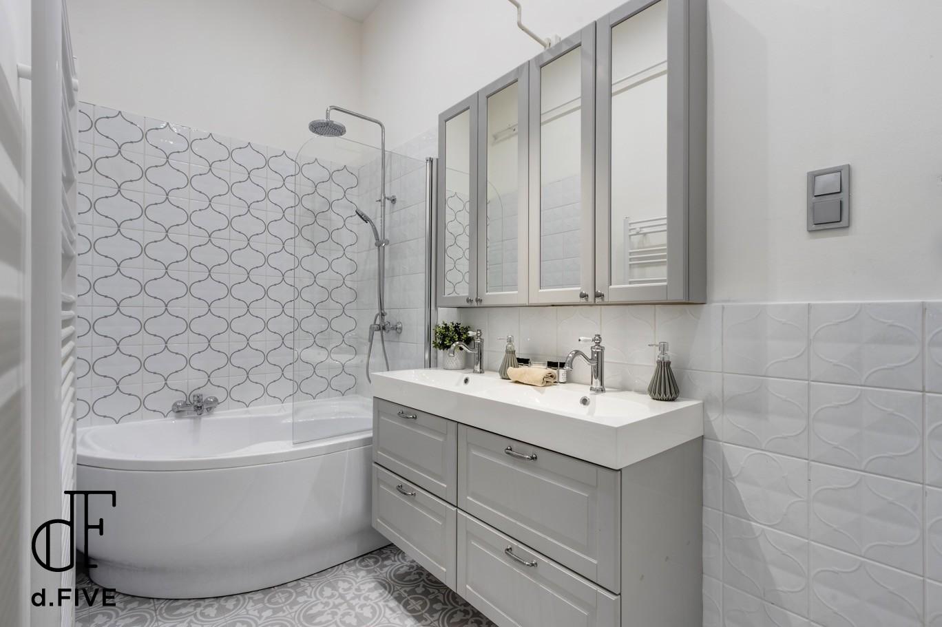 d.Five Capital Luxury Apartment