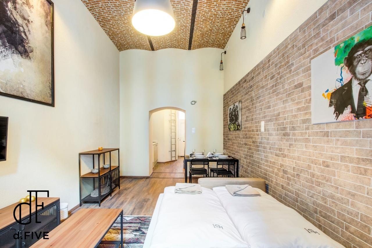d.Five Jewish Quarter Loft