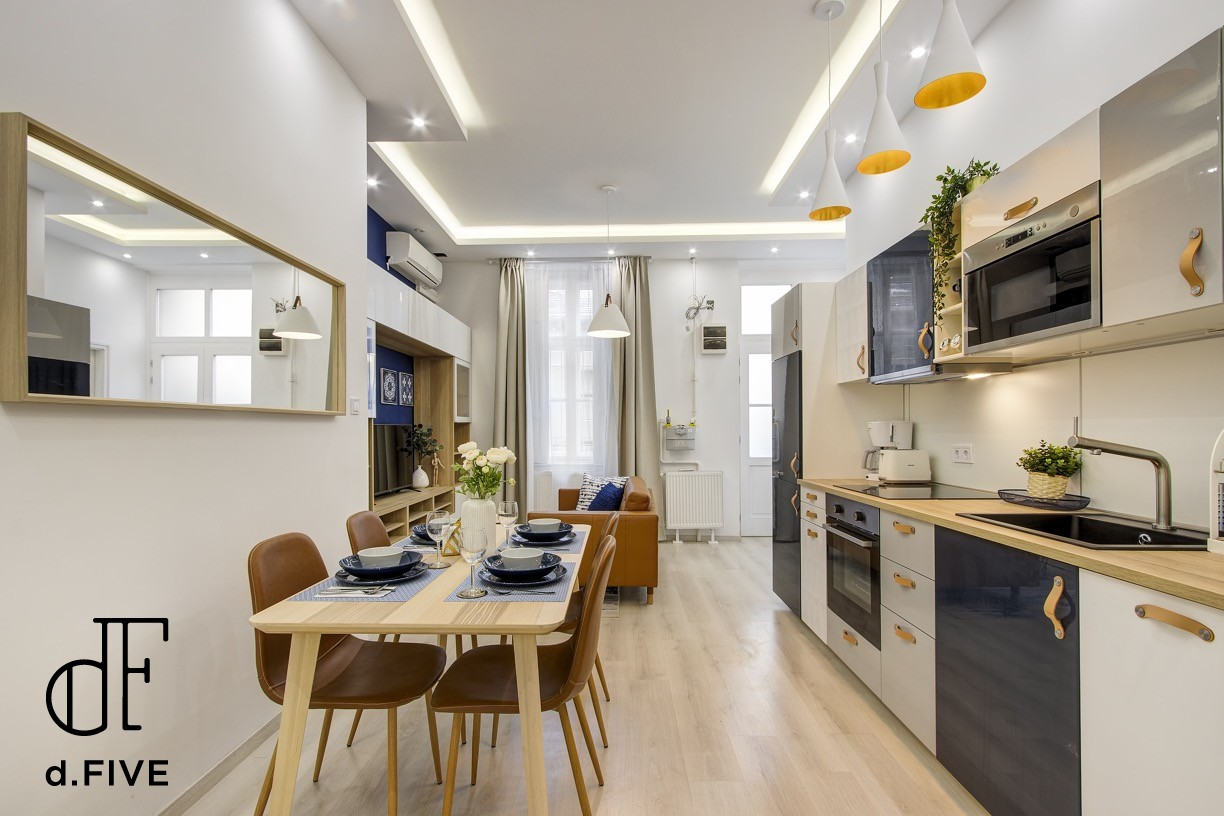 d.Five Bajcsy 3-bedroom Luxury Apartment