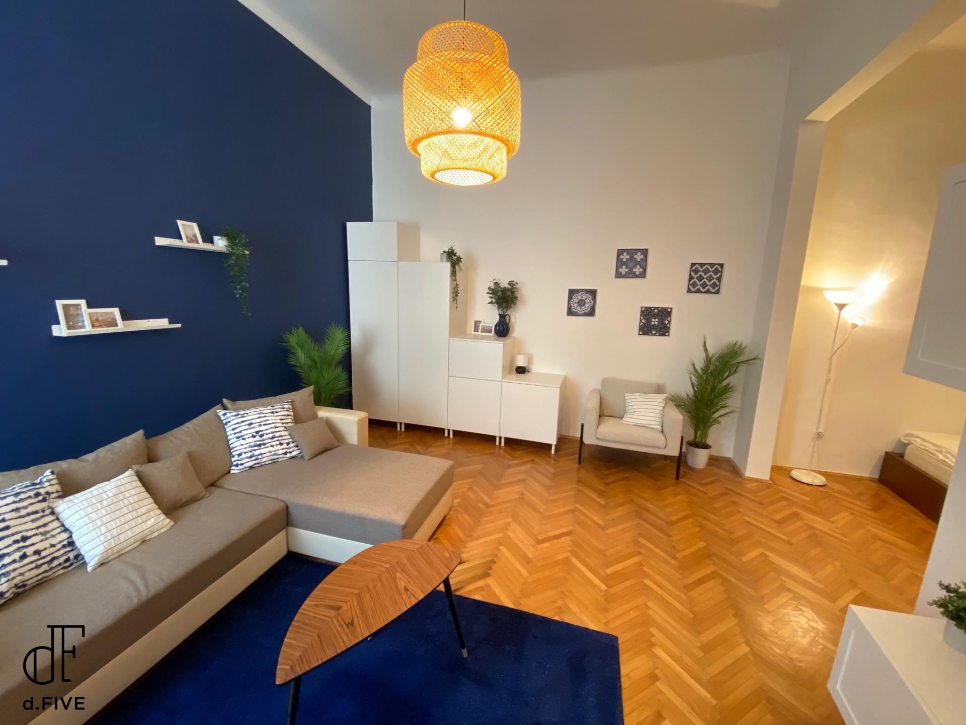d.Five Eagle Apartment