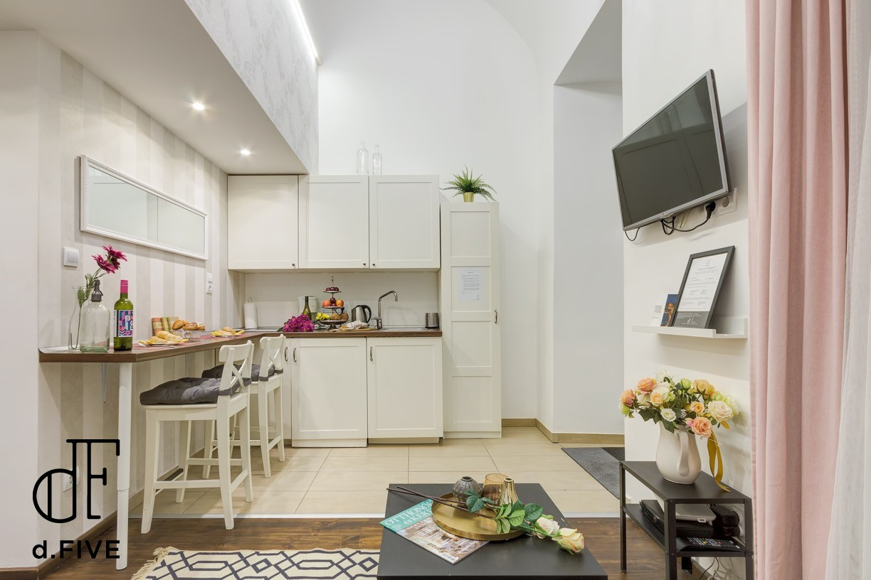 d.FIVE Lovely Apartment at Basilica 2