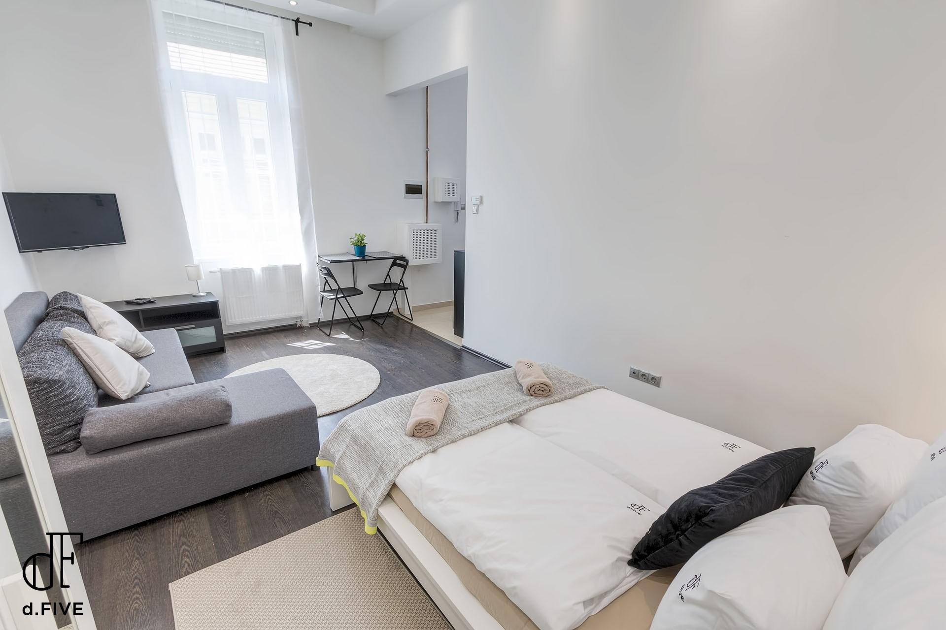 d.Five Vaci Deluxe Apartment B